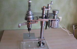 Как сделать сверлильный станок из дрели своими руками