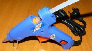 Какой клеевой пистолет лучше выбрать для дома